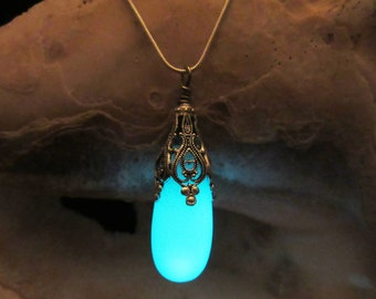 Glow in the dark necklace .