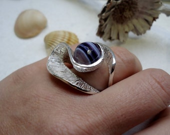 Silver sculpture ring curved shapes with purple striped agate