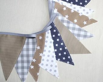 guirlande de fanions en tissu beige et gris dco chambre bb banderole fanions dcoration baptme - Guirlande Fanion Chambre Bebe