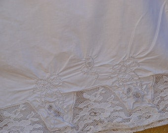 Bloomers, vintage French,  in white cotton, part of a collection found in Provence. SC embroidered.Cottage chic.