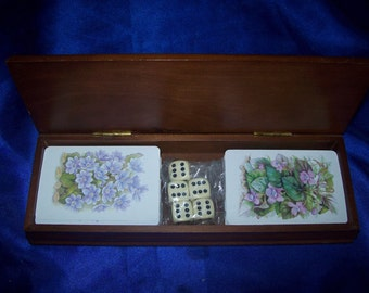 Readers Digest Wooden Box with 2 Packs Playing Cards & 5 Dice 1970's