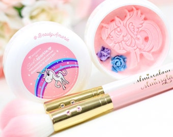 Unicorn Kisses, scented in Bubble Gum Cream - @slmissglam brushes are for display only