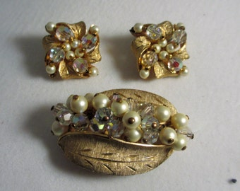 Vintage Brooch & Matching Clip on Earrings