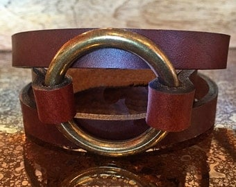 Leather and Brass Bracelet / Antique Brass Ring / Tan Leather / O Ring Leather Bracelet / Joanna Gaines Inspired Jewelry