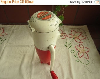 Daizey Triple Ice Crusher Vintage 1950's Kitchen Gadget Barware Collectible - KD010