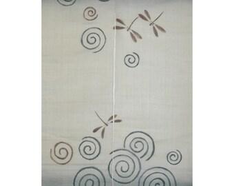 """traditional linen noren, door way curtain. dragonflies on beige. (16KM58) 35""""W x 59""""L"""