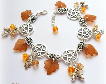 Autumn Equinox Charm Bracelet, Acorns Charm Bracelet, Pentagram Bracelet, Pagan Bracelet, Woodland Bracelet, Wiccan Bracelet, Wicca, Rustic