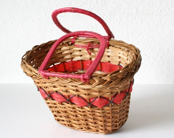 """Cute very  little Vintage French woven """"SCOUBIDOU"""" BASKET for CHILD 1960"""