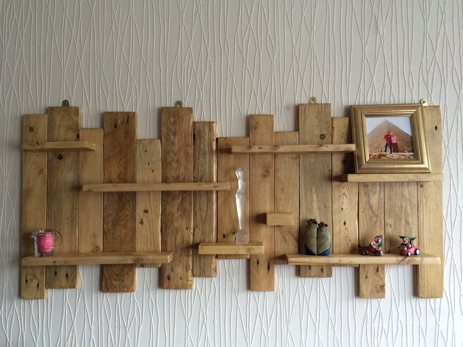 pallet wall mounted shelf unit rustic and handmade from. Black Bedroom Furniture Sets. Home Design Ideas