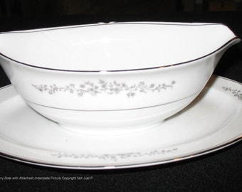 Hampton China, Ardmore pattern, gravy boat with attached underplate