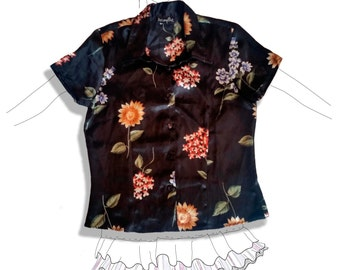 SOLD! 90s silk floral blouse w/pointed collar