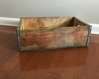 Vintage  Pepsi Crate - Wood and Metal Crate - Soda Crate - Pop Crate - Wooden Crate - Rustic Decor - Farmhouse Decor - Wooden Box