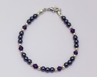 Bracelet made of hematite beads