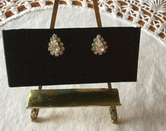 Pear shaped Rhinestone pierced earrings.