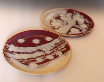 Red with Sandy White Trailed Plates Set of 2