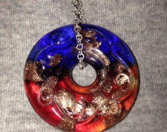 Circle glass necklace