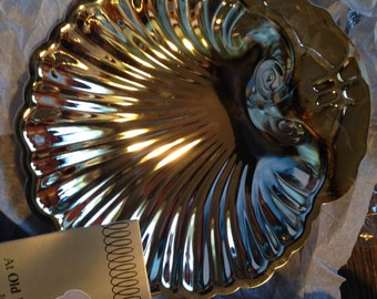 Small SILVERPLATED CLAM Shell Trays (2)