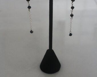 Asymmetrical silver chain beaded drop earrings