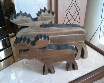 """Chunky Moose (small) in Hardwood Finished in """"Fiddes""""professional """"Rugger Brown"""" wax. Size: 9""""x 6 3/4"""" x 1 1/4""""  (229 x 172 x 32mm) (approx)"""