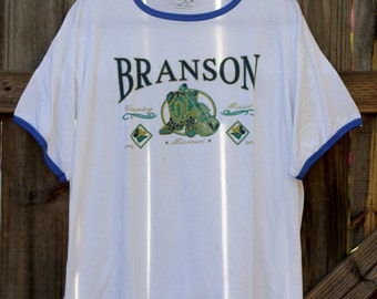 Vintage 1980's Branson Missouri Country Music Mens Large White and Blue College Ware T shirt