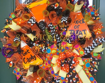 Candy Corn, Candy Corn Wreath, Halloween wreath, Halloween Decoration, deco mesh Wreath, Fall wreath, Trick or Treat wreath, Trick or Treat