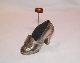 Silvertone metal Shoe Pincushion