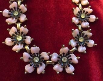 Vintage 50s pink flower necklace...