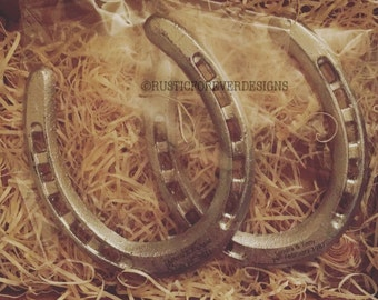Rustic lucky horse shoe, this can be personalised with any message you would like! Perfect present for a wedding, new home, new baby