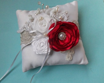 Wedding ring pillows in red and white