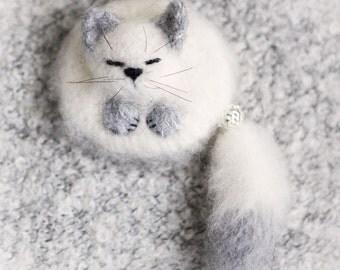 Cat Brooch wool Cute cat Pin Knitted kitten sleeping cat gift for her jewellery cat lover cat stuffed animal miniature kawaii
