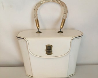 Vintage White Vinyl Purse With Lucite Handle