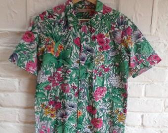 Hawaiian shirt made from recycled fabric