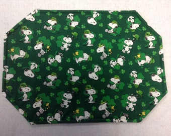 SNOOPY/ St. Patrick's Day/ Reversible Placemats/Set Of 6