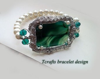 Handmade Green Agate and pearls bracelet