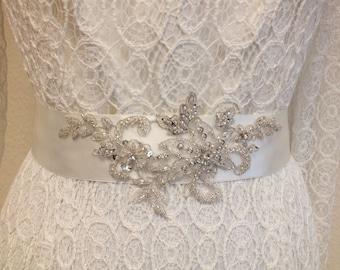 Wedding Dress Sash / Vintage Inspired Sash / Bridal Sash /Ivory Ribbon Sash / Bridal Belt / Crystal Sash / Wedding Dress Belt