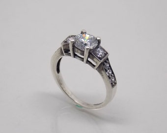 Retro Vintage Hand made Sterling Silver 925 White Stone Engagement Ring.