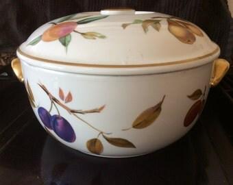 Vintage Royal Worcester casserole in Eversham pattern. Vintage Royal Worcester Eversham casserole dish.