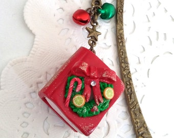 Bookmark Christmas book, bookmark Red Book polymer clay, Santa's Storybook Fimo, Santa closed book