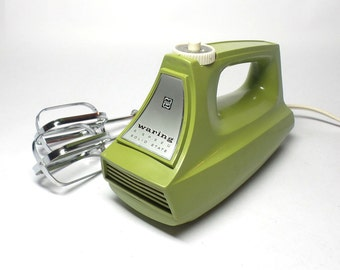 WORKS Waring Hand Mixer in Avocado - Vintage Waring Hand Mixer