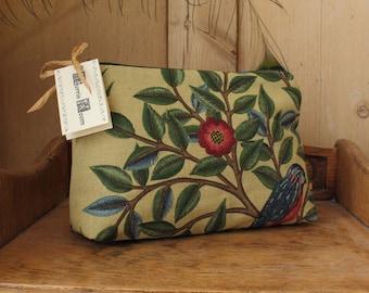 William Morris  Kelmscot Tree Cosmetic Bag Forest / Gold