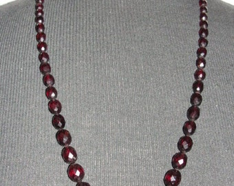 Graduated Faceted Cherry Amber Bead Bakelite Necklace