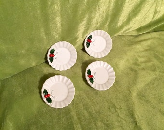 Holt Howard 1962 mini plates with Holly Berry Green Leaf