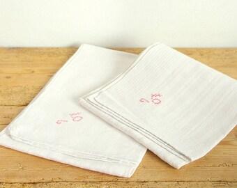 Vintage linen kitchen towels. Country kitchen towels. Vintage linen tea towels. Farmhouse kitchen. Swedish linen. Guest linen towels.