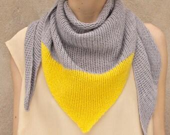 Stricktuch Dreieckstuch, Kaschmir, grau ,gelb, the knit kid, theknitkid, Schal, Strickschal, Color-blocking, Dreiecksschal, Farbakzent