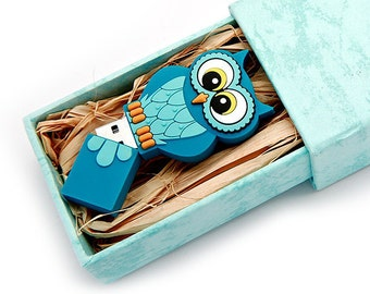 Unique 8GB Flash Drive - Single - Big Eyed Bird Series - Blue Bird - 8 GB USB 2.0 Flash Drive with Strong Paper Box filled with Rafia Grass