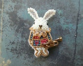 Free shipping - Alice in Wonderland - Rabbit brooch - made with beads motif
