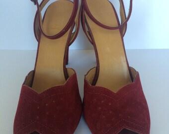 1970s Burgundy Suedette Peeptoe Heels * Size UK 4