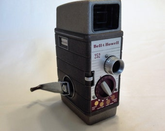 Vintage 1950s Bell & Howell 252 8mm Movie Camera - Very Clean!
