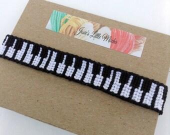 Piano Bracelet / Piano friendship bracelet / Instrument Bracelet / Handmade bracelet / Pianist bracelet / Custom Bracelet / Knotted bracelet