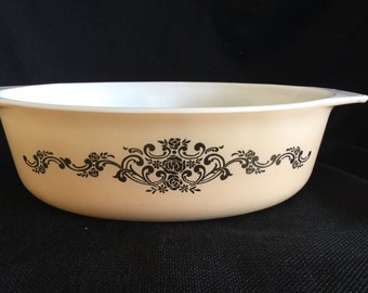 Rare Promotional Pyrex Casserole Dish 2.5QT in the Golden Rose Pattern